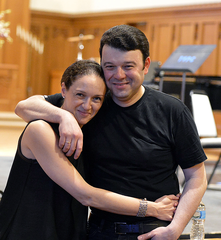 Vadim Gluzman and his wife, pianist Angela Yoffe, often collaborate in concert. They founded the North Shore Chamber Music Festival in 2011.