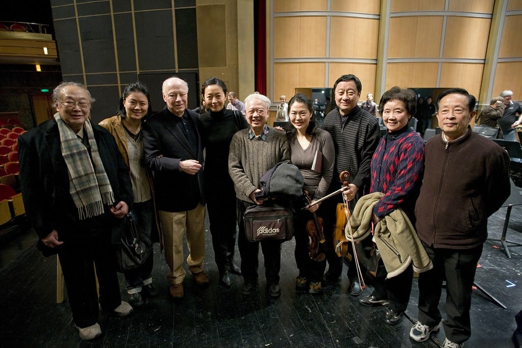 During the CSO's 2009 Asia Tour, Li-Kuo Chang (third from right) introduces Bernard Haitink and CSO violinists Ying Chai (second from left) and Lei Hou (fourth from left) to his former Shanghai teachers: Professors Yuan Pei-Weng (from left), Zheng Shi-Sheng, Sheng Xi Di and Zhao Ji Yang.| Todd Rosenberg Photography 2009